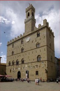 Volterra-Palazzo-dei-Priori